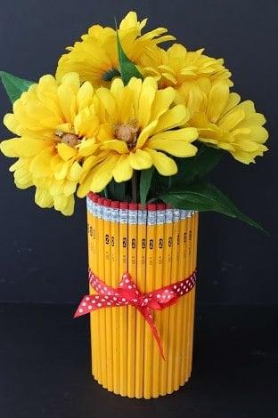 Homemade Vase using Pencils