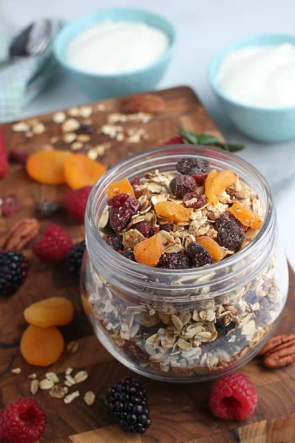 This homemade granola recipe is easy to make and is a go-to if you want to make granola from scratch (in less than an hour)! via @AndreaDeckard
